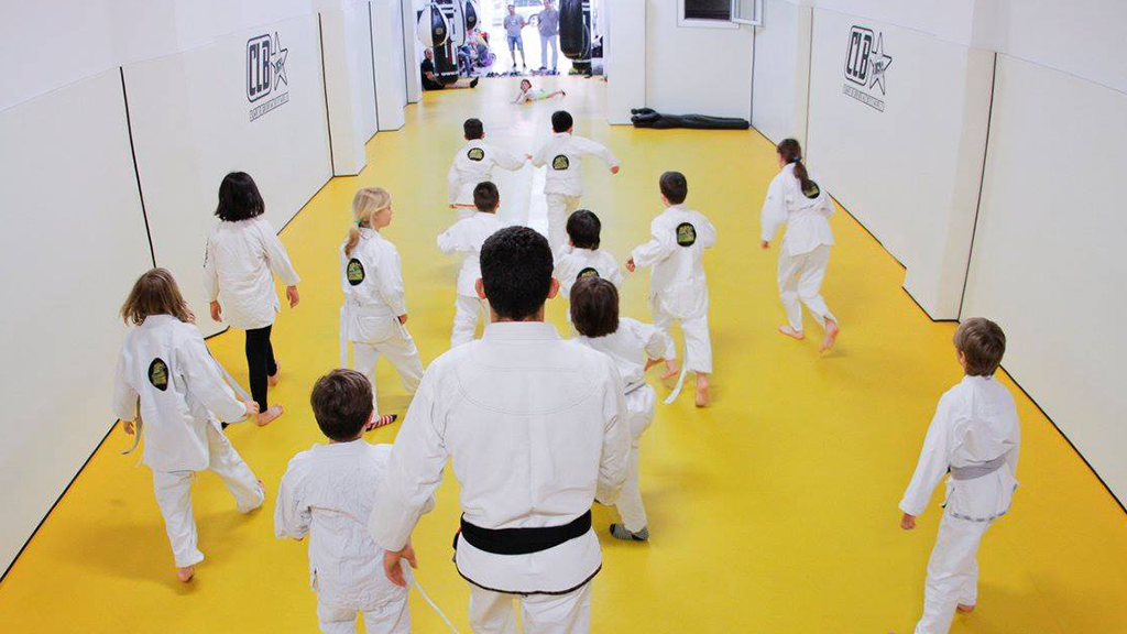 kids practicing brazilian jiu jitsu in Barcelona